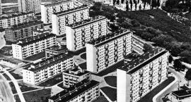 Lokatorzy mieszkań Huty Warszawa, czyli z ziemi polskiej do włoskiej.